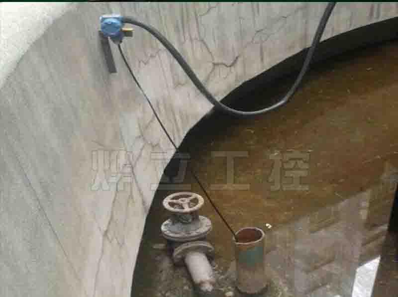 投入式液位计现场安装